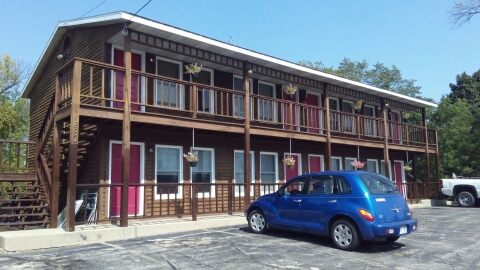 LCI-Photo motel front angle